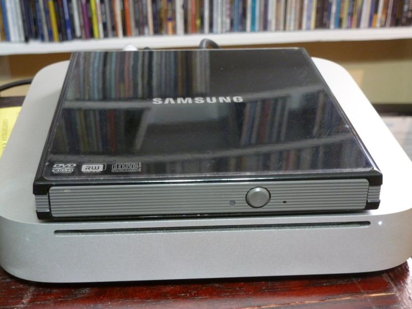 2011 Mac Mini 8GB RAM, Hitachi G 1TB ext HD, Samsung disc drive, Pure Music and Decibel