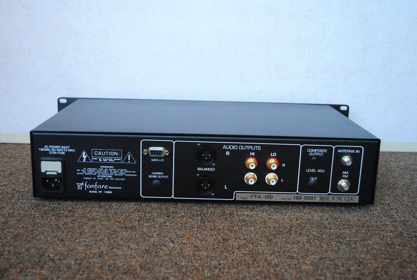 Fanfare FTA-100 FM Tuner