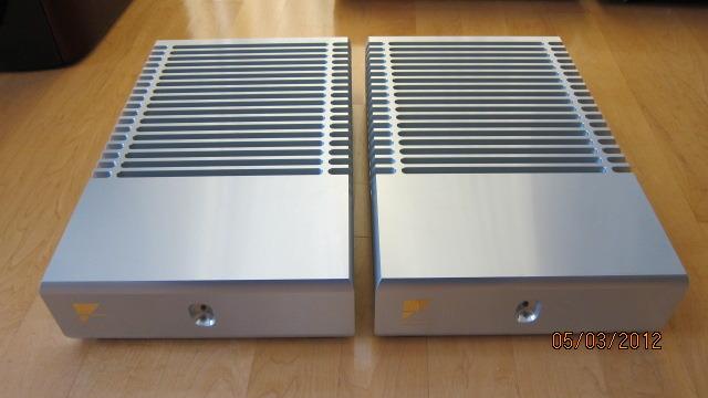 Ayre MX-R mono block pair amps