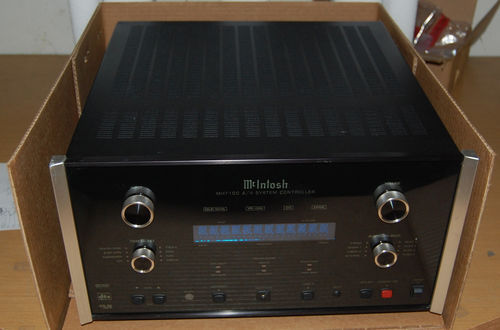 McIntosh MHT 100 - A/V System Controller EXCELLENT CONDITION, REMOTE CONTROL & OWNER'S MANUAL