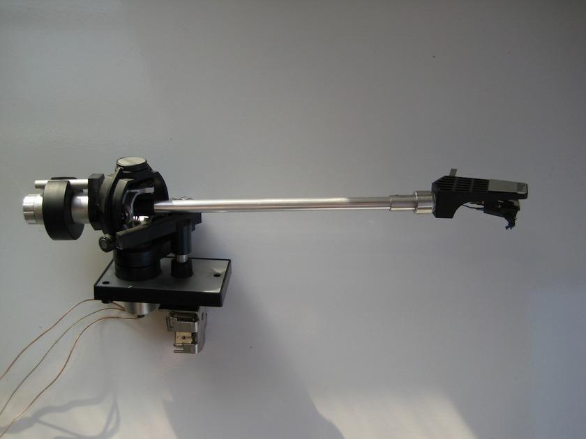 Thorens  TP-16 Tonearm and TP60 Headshell