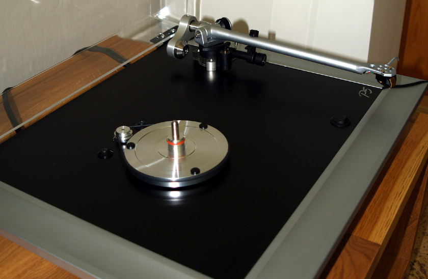 Groovetracer Reference subplatter for Rega turntables