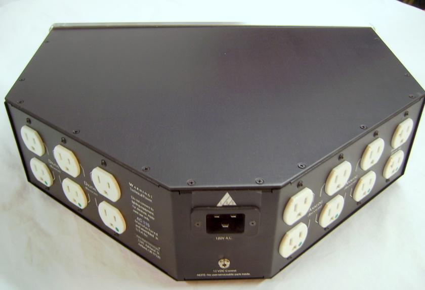 EAD (ENLIGHTENED AUDIO DESIGN) AC MASTER 8000 power conditioner