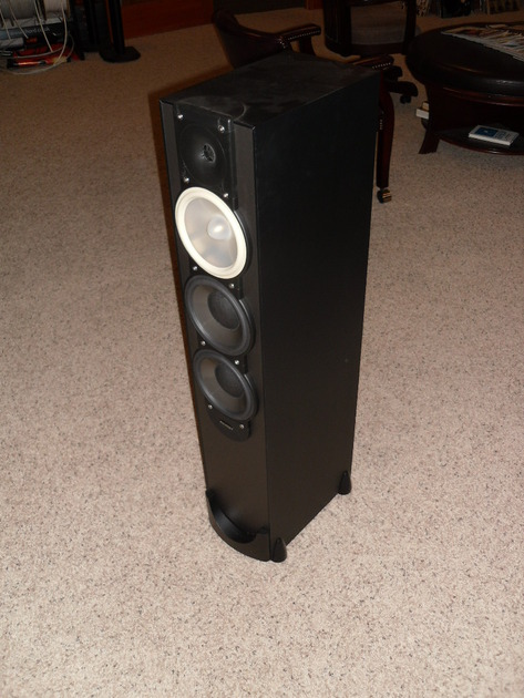 Paradigm Monitor 9 v6 Reference Tower Speakers