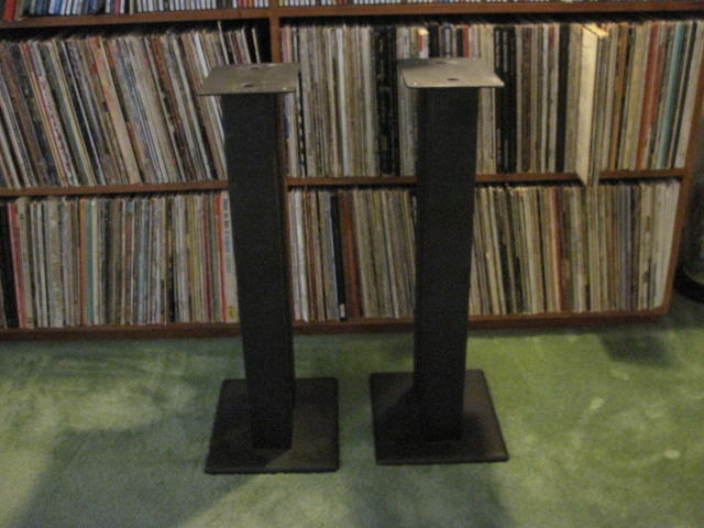 """Target HR70 28"""" Speaker Stands One pair - excellent/perfect condition"""