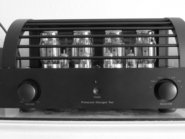 Primaluna Dialogue Two Integrated amp - Top of the line nice condition