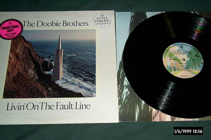 The Doobie Brothers - Livin' On The Fault Line LP NM