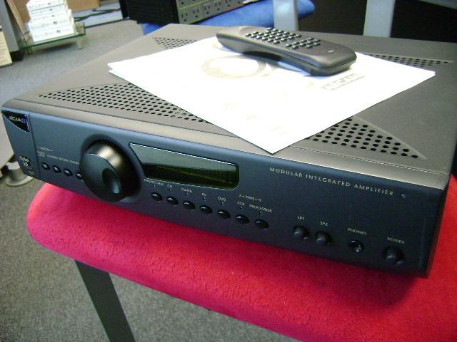 Arcam Alpha 10/DAVE Integrated Amp w/DAVE Module