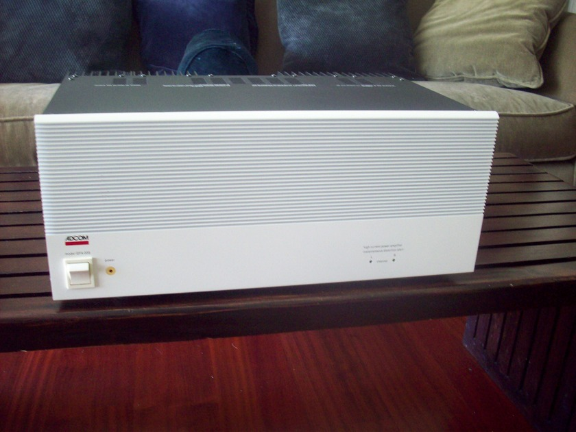 Adcom GFA-555 200 wpc power amp, in white