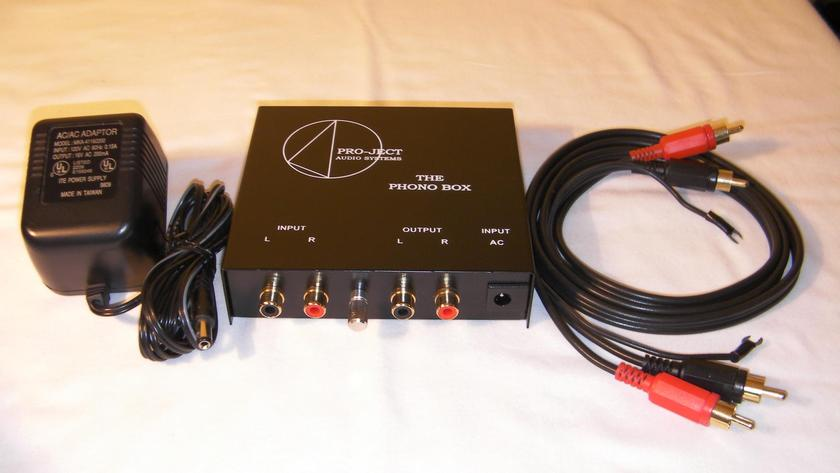 Pro-Ject Phono Box MM/MC Phono Preamplifier   (Free Ship & PayPal)