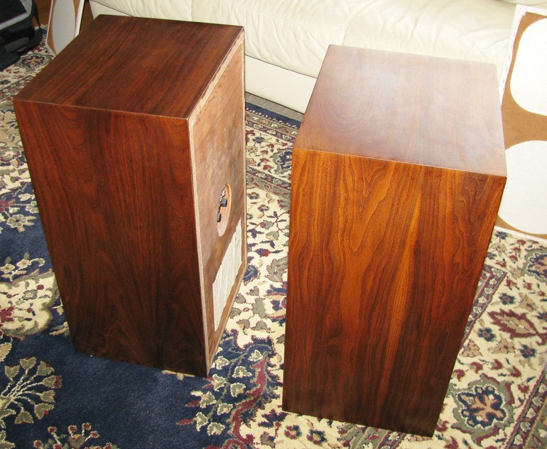 Acoustic Research AR-5 speakers -- mint