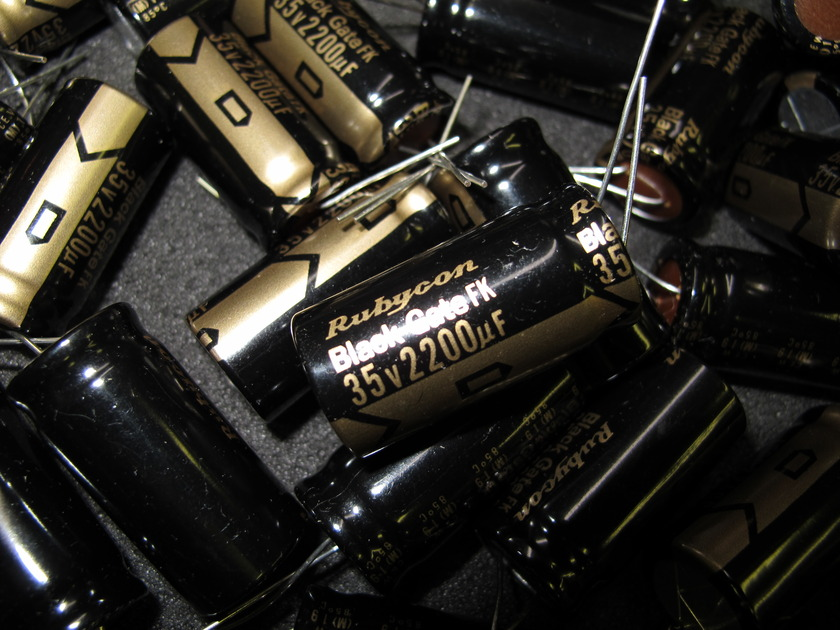 Black Gate Capacitors -NEW! 2200uf 35v (RARE)  FK version never used