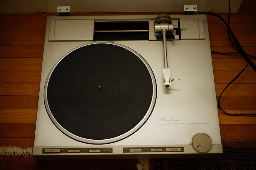 Phase Linear 8000 Series II Linear Tracking Turntable