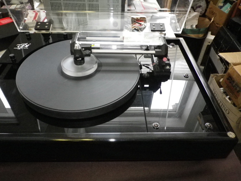 VPI and Souther  (clearaudio) HW-19 MK III with SLA-3 Turntable, Linear tonearm