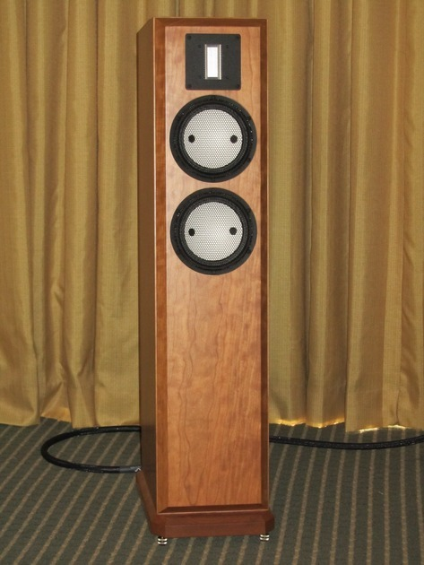SALE--Clearwave Loudspeaker Design, refined towers, Symphonia 72R-- Utilizes top tier Accuton and RAAL technology, SALE
