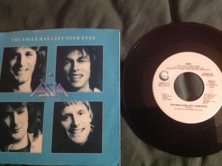 Asia - The Smile Has Left Your Eyes Promo 45 With Sleeve