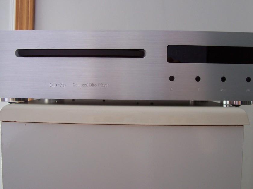 Usher CD7 MK2 Silver