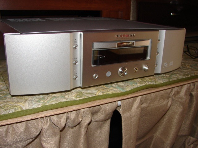 Marantz  SA15.    SACD player Perfect
